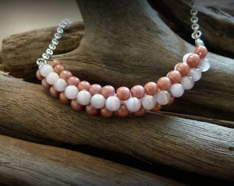 Vintage 3D Pink mother of Pearl Necklace