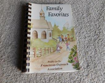 Family Favorites Cookbook 1978