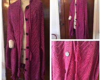 RARE Vintage 70s Shawl Hippie Poncho Boho Cape Crochet PINK Knit Fringe Gypsy