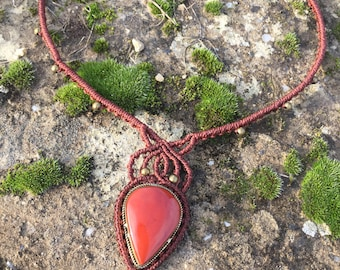 Simple macrame necklace red jasper with a bronze setting - color mahogany