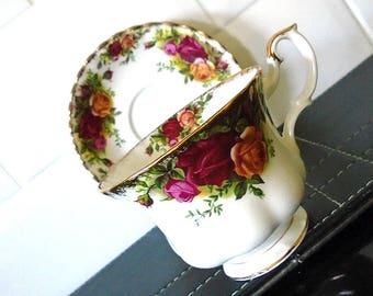 Vintage Royal Albert Old Country Roses Cup & Saucer Original 1962 - 1973