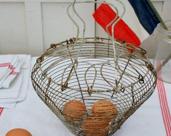 Egg Basket / Wire Egg Basket / Wire Basket / Vintage / French Vintage / French Farmhouse / Shabby Chic Decor / Rustic / Vintage Egg Basket