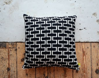 PDF Download - Two Tone Knitted Brick Pattern Cushion Cover - Scatter Cushion/Pillow/Knitted Cushion
