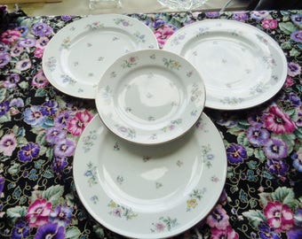 Franconia Fleurettes Fine Dinnerware 4 Bread Plates Adorned With Colorful Small Flowers Free Shipping