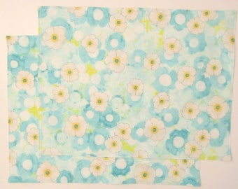 Large Cloth Place Mats - Set of 4 - Turquoise Blue Yellow White Floral Flowers -  Reversible