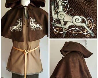 Medieval Cape, Short Hooded Cape, Viking Cape, Celtic Dogs, LARP, Renfaire