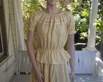 "Bust:  36"" ** Beautiful 1960s Cotton Blouse / Skirt Square Dance Set"