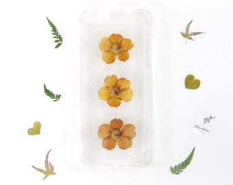 iPhone 6 and iPhone 6s bumper case with real pressed flowers