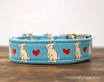 Love Bunny dog collar adjustable. Handmade with 100% cotton fabric. Eastern bunnies and hearts. Wakakan