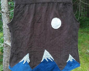Upcycled corduroy moon mountain vest women's size M