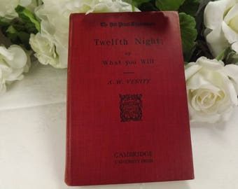 "Shakespeare , "" Twelfth Night"" Hardback Book Vintage 1926 Cambridge University Press"