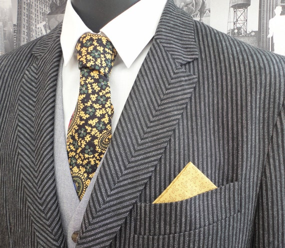 Paisley neck tie and co-ordinating pocket square
