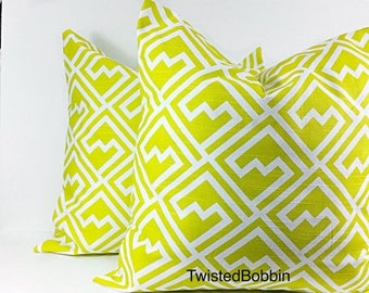 SALE Pillow cover.Artist green.Shakes.artist green  and white pillow cover. Set of two.Select your size.cm
