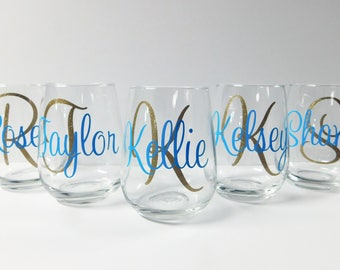 Christmas Wine Glasses, Personalized Wine Glasses, Monogram Glasses ,Personalized Gift