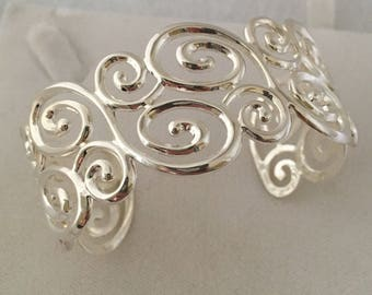Gorgeous Wave Wide Cuff Bracelet Sterling Silver 925 Sectional Design