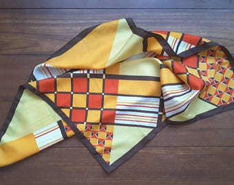 Vintage scarf, Foulard Trevira, 70s, Mondrian Art, shapes in fresh colors brown, yellow, orange. From 21.25 to 17.75 euro.