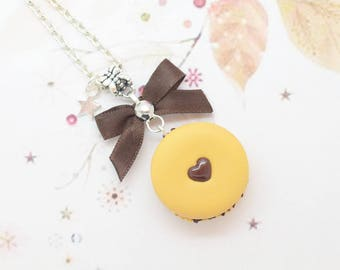 chocolate macaroon necklace