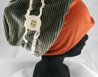 Bas059 - Green chemo hat, orange and lace