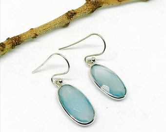 10% Chalcedony earring set in sterling silver 925. Natural authentic stones.