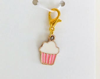 Cupcake Progress Keeper, Knitting Marker, Crochet Stitch Marker, Removable Stitch marker, Zipper Pull for your Project Bag