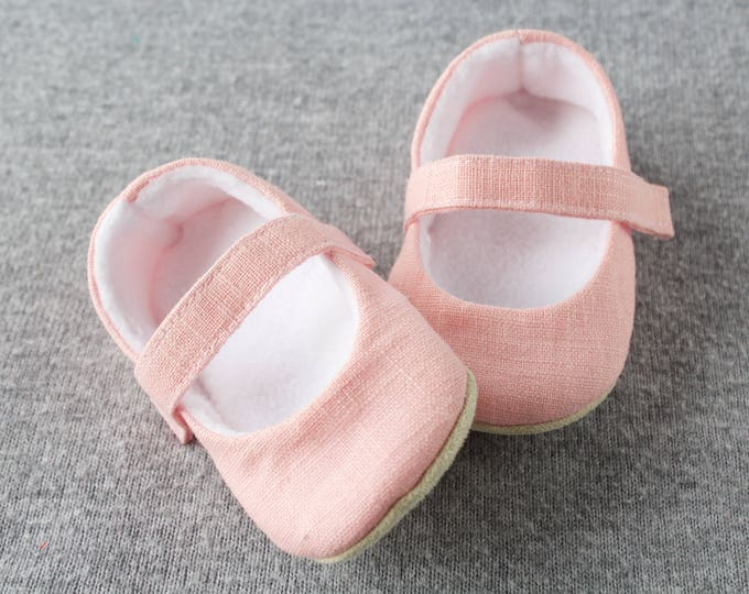 Pink pure linen shoes feature a cosy fleece lining. MaryJane pre walker and toddler shoes