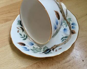 Beautiful china tea cup bird feeder
