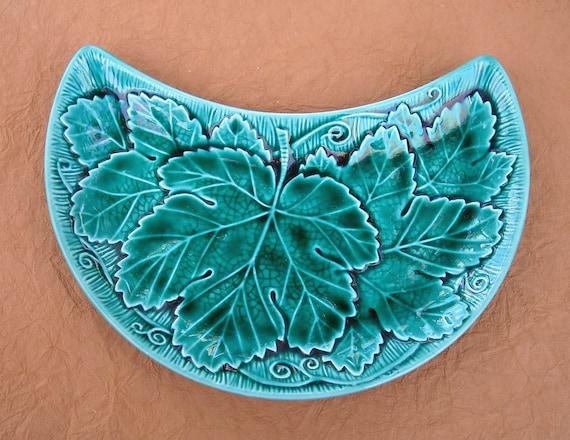 "Vintage Wedgewood Green Leaf Pattern Relish Tray ""Half-moon"" shape"