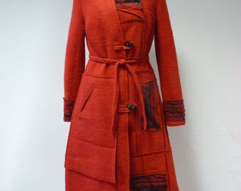 WINTER SALE. Exceptional red felted coat, M size.
