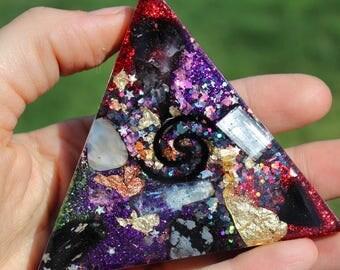Orgone Triangle - EMF Protection - Handmade - Quartz Crystal - Crystals - HoodxHippie - Positive Energy - Metaphysical - Gift