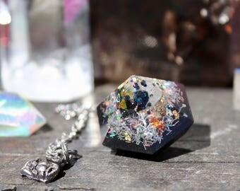 Orgonite® - Pendulum - Positive Energy - Dowsing - Handmade - Orgone Generator® - Crystals - Gift - EMF Protection - Quartz - HoodXHippie