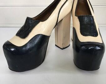 Vintage 70's platform shoes , platform spectator heels - size 7.5 - pin upgirl shoes