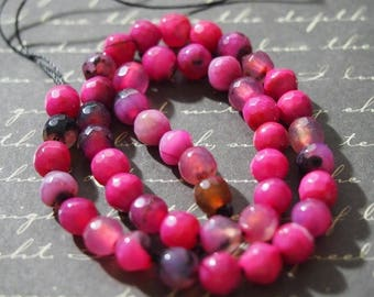 5 round pink agate beads / Black 6mm