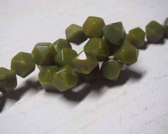 3 faceted green jade from Africa 17x15mm