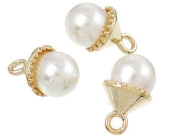2 Golden charms and Pearly bead 14x9mm