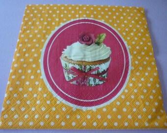 Destash at-1 euro, cupcake pink vintage paper napkins.