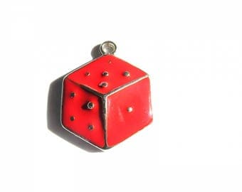 CHARM PENDANT WITH RED ENAMEL ON METAL SILVER 30-35 MM