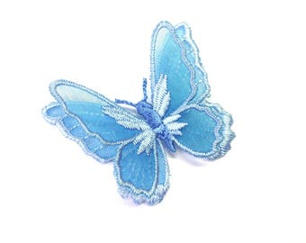 BUTTERFLY SHAPED ORGANZA LIGHT BLUE AND EMBROIDERED PALE BLUE SATIN WIRE 55/45 MM