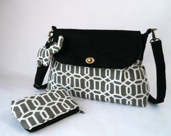 Small suede shoulder bag and patterned cotton gray and white