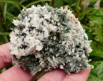Attractive Quartz with Calcite , Crystal, Mineral, Natural Crystal