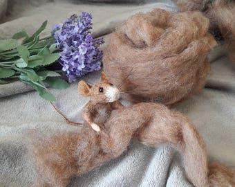 25g cinnamon carded brown Wool Roving  - Batt top coat Colour Felting Needle Felt