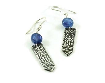 Totem earrings with kyanite