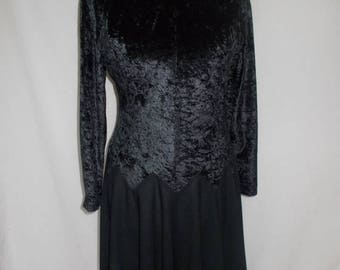 summer sale Vintage black dress 80s black crushed velvet dress size large