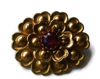 Large Flower Brooch. Gold Tone Vintage Brooch / Pin with Prong Set Ruby Red Rhinestone.  1950s. Floral Theme.