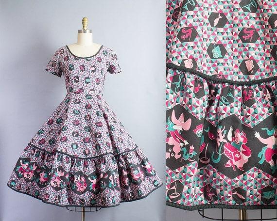1950s Folk Novelty Print Dress/ Small (36B/26W)