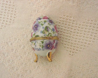 Small Collectible Porcelain Gold Footed Open and Close Egg Trinket Box Ring Box Inscribed in Gold Inside Have Faith