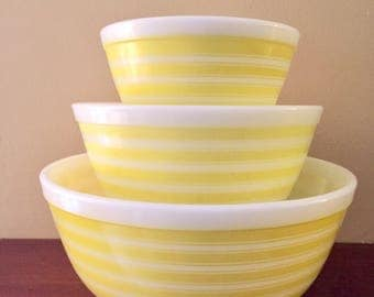 Rare Complete Set Of Vintage Yellow Stripe Pyrex Mixing Bowls, 403, 402 and 401, FULL SET, NC Estate.