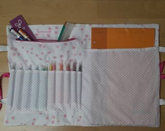 White and pink child artist bag