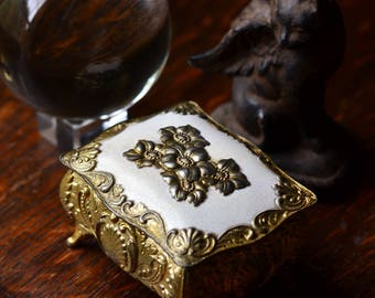 GOLD TRINKET BOX, Neoclassical, French design, jewelry trinket box, wedding ring box, wedding ring display