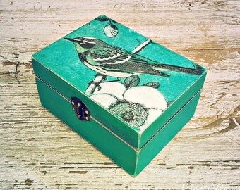 bird box, trinket box, bird trinket, jewellery box, shabby chic box, jewellery trinket, business card box, keepsake box, box with a bird