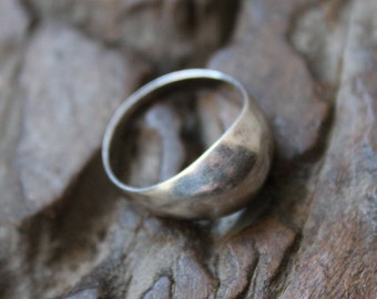 Vintage dome SILVER ring with hall marks. Pure solid silver ring. Great design. Fine silver ring. Smooth soft patine from natural age & wear